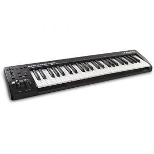 M-Audio Keystation 61MK3 – Clavier Maître MIDI 61 Touches Semi-Lestées Compact, Entrée USB / Commandes Paramétrables, Molettes Pitch/ Modulation, Connexion Plug-And-Play (Mac/PC) et Logiciel de Studio