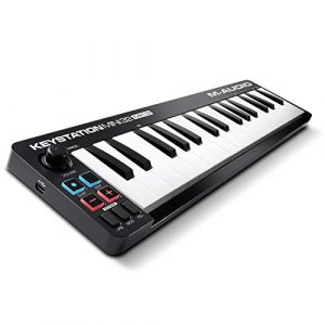 M-Audio Keystation Mini 32 MK3 – Clavier Maître Mini – USB/MIDI Ultra-Portable avec 32 Mini-Touches Sensibles au Toucher, ProTools First, M-Audio Edition et Xpand!2 par AIR Music Tech