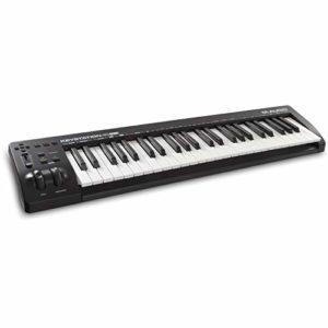M-Audio Keystation 49MK3 – Clavier Maître MIDI 49 Touches Alimenté par USB, Commandes Paramétrables, Molettes Pitch, Modulation, Connexion Plug-and-Play (Mac/PC) et Logiciel de Studio Inclus